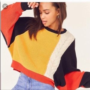 NWT Moon & Madison color block cropped Sweater
